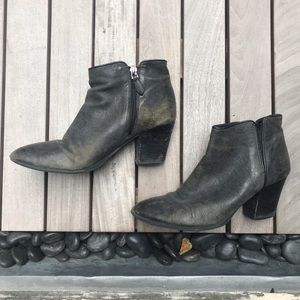 Grey & Black Ankle Boot w Side Zipper